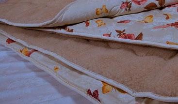 Как-постирать-одеяло-из-овечьей-шерсти-в-стиральной-машине