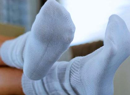 Как-отстирать-белые-носки