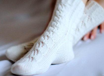 Как-постирать-белые-носки-в-машинке